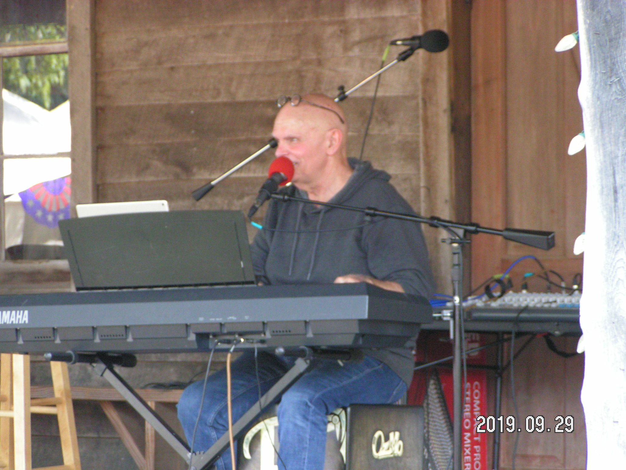 Ruell Chappell performing at the Mill